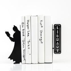 Podpórka do książek z Batmanem