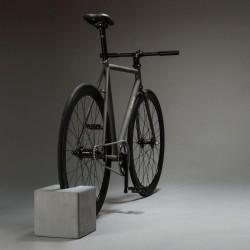 Betonowy stojak na rower