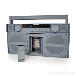 Zamień iPod'a lub iPhone'a na Boombox'a