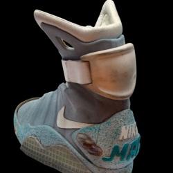 Buty z Powrót do przyszłości 2 - na sprzedaż