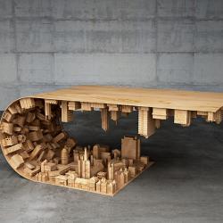 Stół kawowy z miejską panoramą