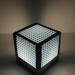 CubeMe - elastyczna lampka z gąbki