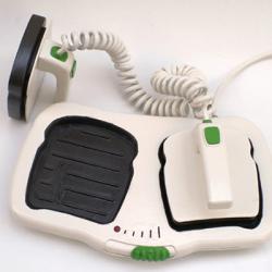 Toster w formie defibrylatora