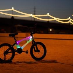 Świecąca rama na dziecięcy rower