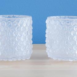 Szklanki stylizowane na folię bąbelkową