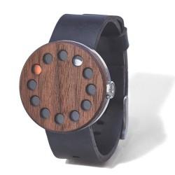 Zegarek z drewnianą tarczą