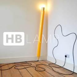 Lampa jak ołówek z gumką