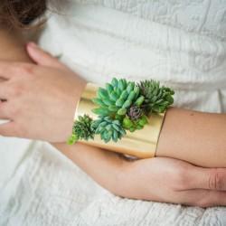 Żywa biżuteria z elementami roślinnym