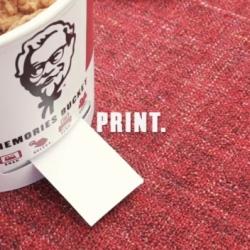 Kubek KFC drukujący zdjęcia