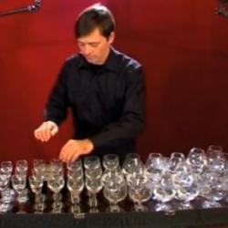 Muzyka z kieliszków wina