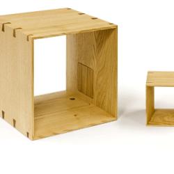 Drewniane głośniki jak półki