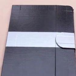 Pokrowiec z taśmy izolacyjnej na iPad'a 2