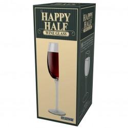 Przepołowiony kieliszek do wina