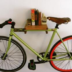 Półka z uchwytem na rower