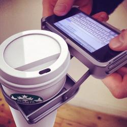 Uchwyt na napoje do iPhone'a