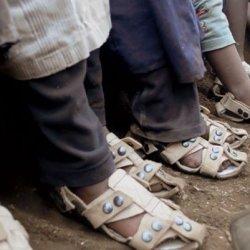 Buty które rosną razem ze stopą