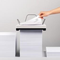 Stos papieru w drukarce