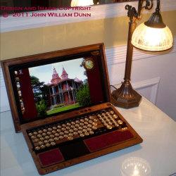 Laptop w stylu wiktoriańskim
