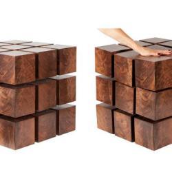 Stół z drewnianych kostek