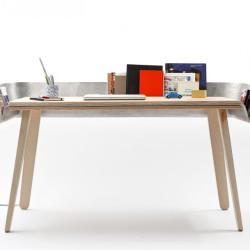 Funkcjonalny stół z aluminiową półką