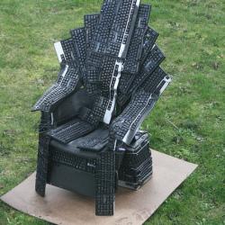 Niezwykły tron z klawiatur