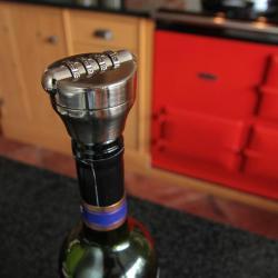Zabezpieczenie butelki wina