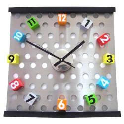 Zegar z Magnetycznymi Klockami